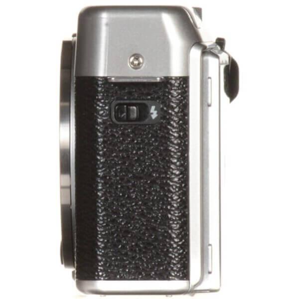 Fujifilm X-A10 Sliver + 16-50mm OIS II 17