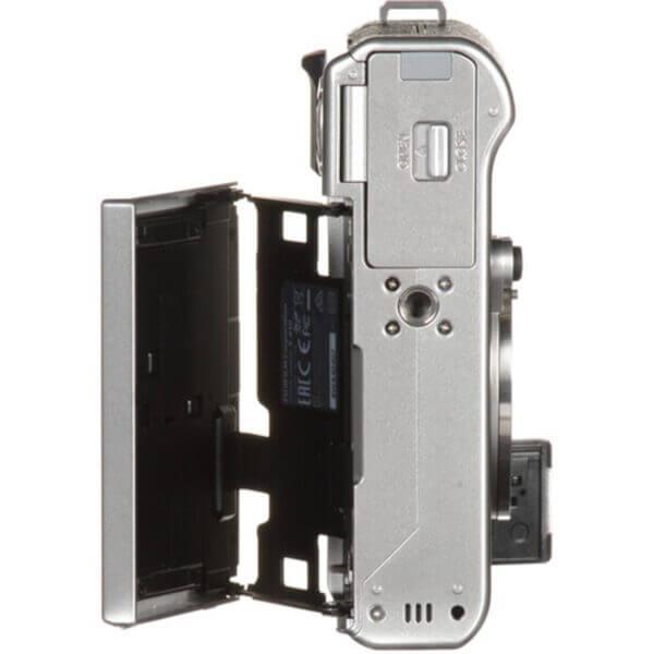 Fujifilm X-A10 Sliver + 16-50mm OIS II 20