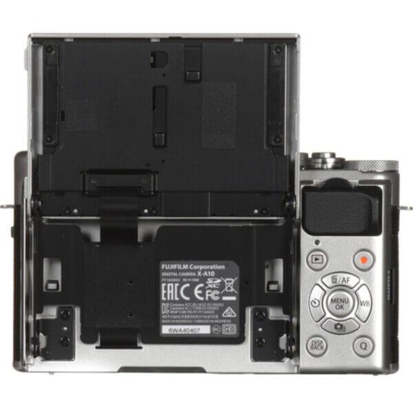 Fujifilm X-A10 Sliver + 16-50mm OIS II 23