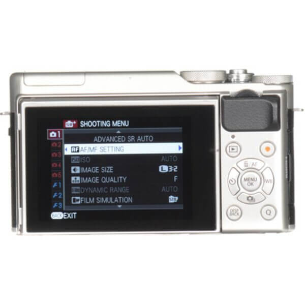 Fujifilm X-A10 Sliver + 16-50mm OIS II 24