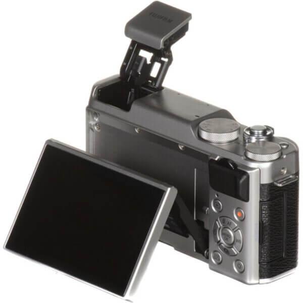 Fujifilm X-A10 Sliver + 16-50mm OIS II 28