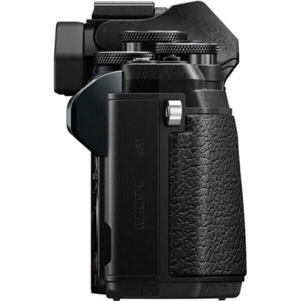 Olympus OM-D E-M10 Mark III black 10