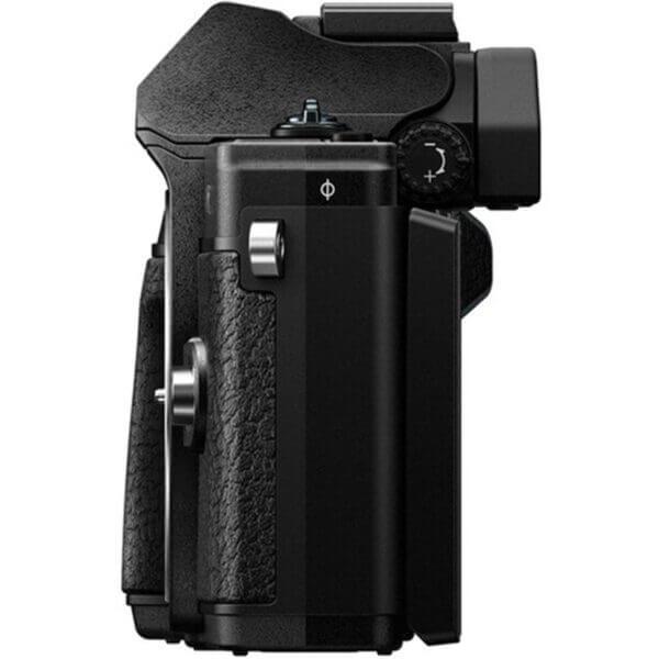 Olympus OM-D E-M10 Mark III black 11