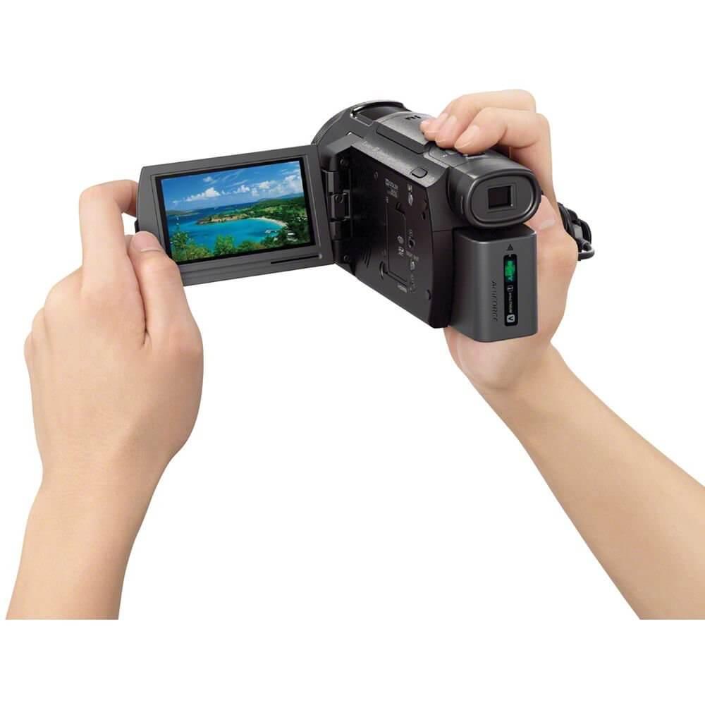 Sony Handycam FDR-AX33 Black-13