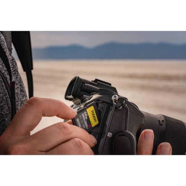 Sony G Tough Series SF G128T T1 SDXC 128GB UHS II U3 V90 R300 W299 12