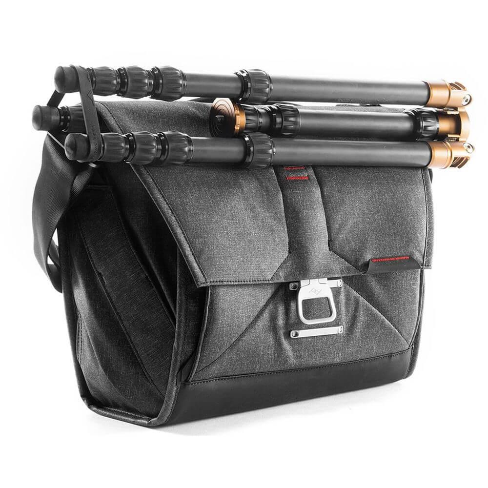 Peak Design BS 13 AS 2 Everyday Messenger Bag 13 Ver.2 Charcoal 3