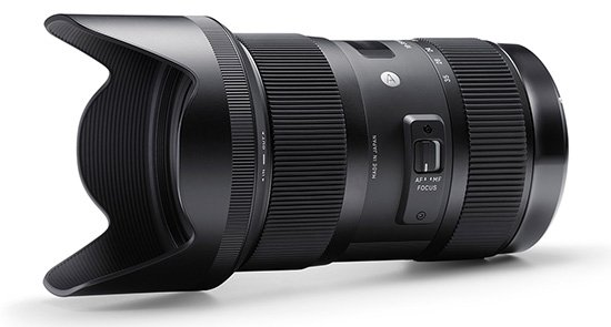 Sigma 18 35mm f1 8 DC HSM lens with hood