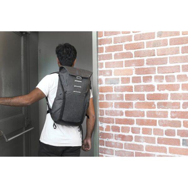 Peak Design BB 20 BL 1 Everyday Backpack 20L Charcoal22