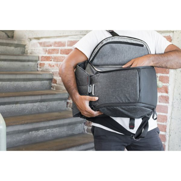 Peak Design BB 20 BL 1 Everyday Backpack 20L Charcoal24