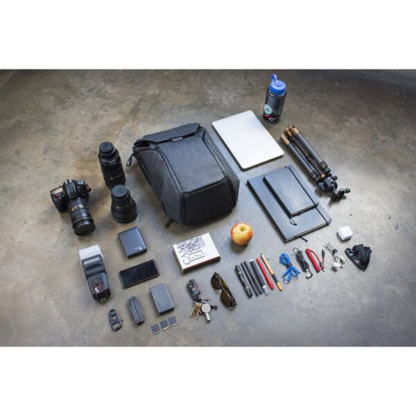 Peak Design BB 20 BL 1 Everyday Backpack 20L Charcoal28