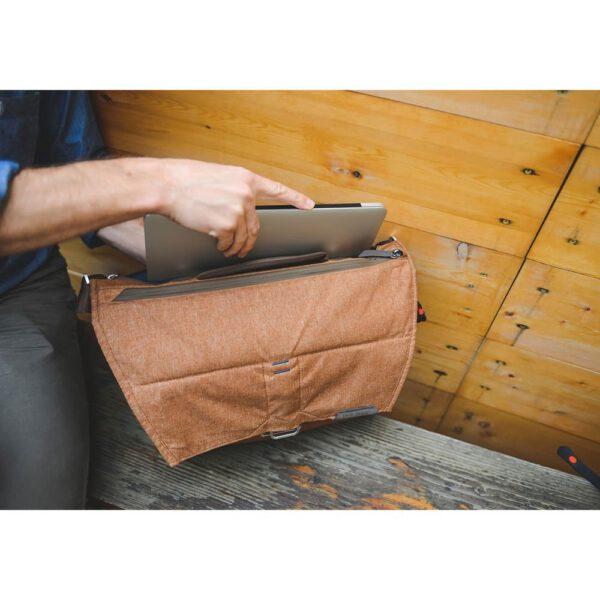 Peak Design BS 13 BL 2 Everyday Messenger Bag 1322 Ver.2 Charcoal11