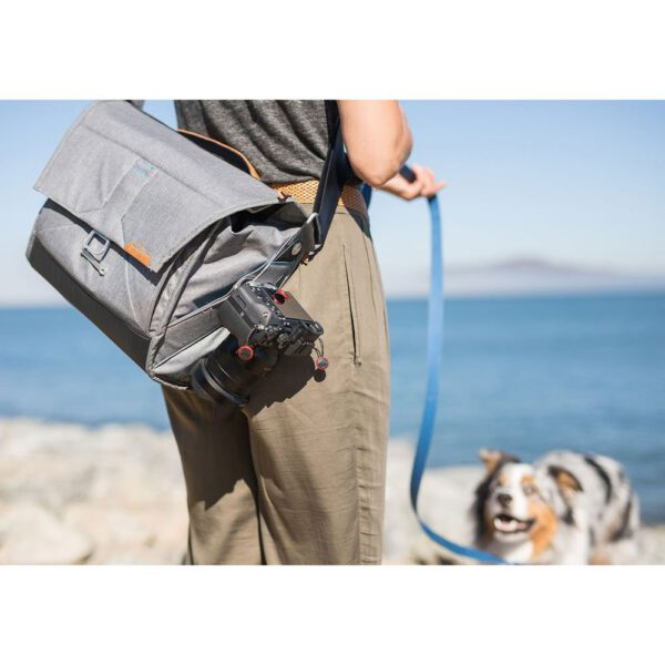 Peak Design BS 13 BL 2 Everyday Messenger Bag 1322 Ver.2 Charcoal15