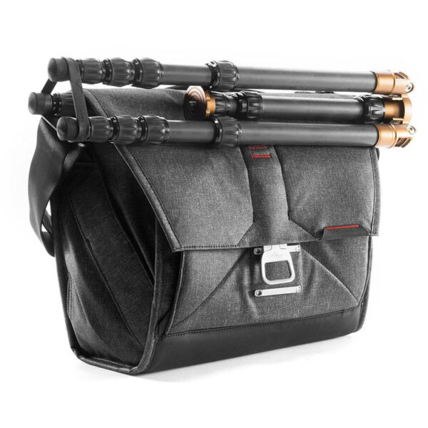 Peak Design BS 13 BL 2 Everyday Messenger Bag 1322 Ver.2 Charcoal3