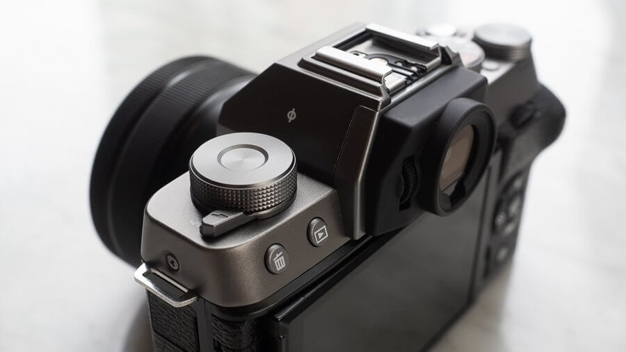Review Fujifilm X T100 Product 6250011