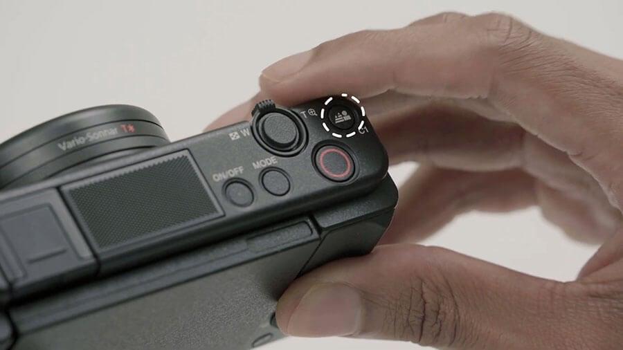 Sony-ZV1_Bokeh-control-button