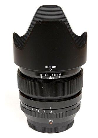 มวยร่วมสถาบัน : จับน้อง Fuji XF 23 F2 WR เทียบ พี่ Fuji XF 23 F1.4