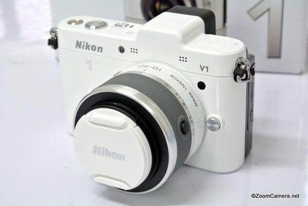 Nikon V1 front