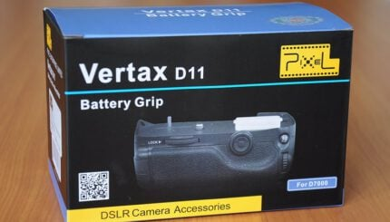 Pixel Vertax Grip for D7000 Image 1 1