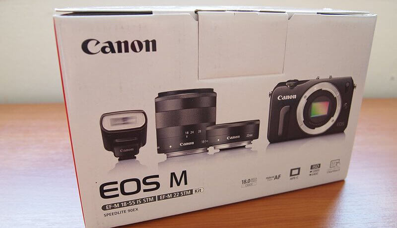 Review Canon EOS M Image 1