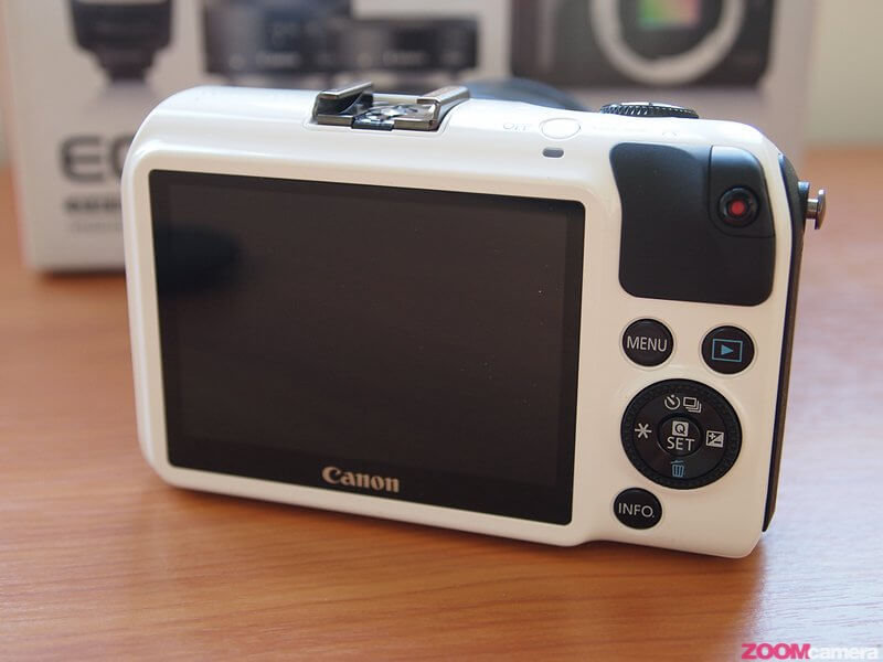 Review Canon EOS M Image 4