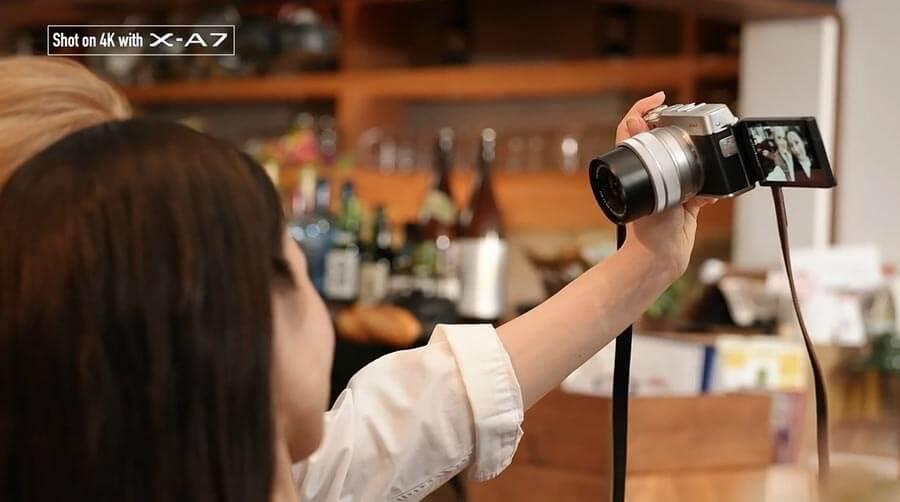 Fujifilm X-A7 กับพับจอด้านข้างมาเซลฟี่ได้สะดวกขึ้น