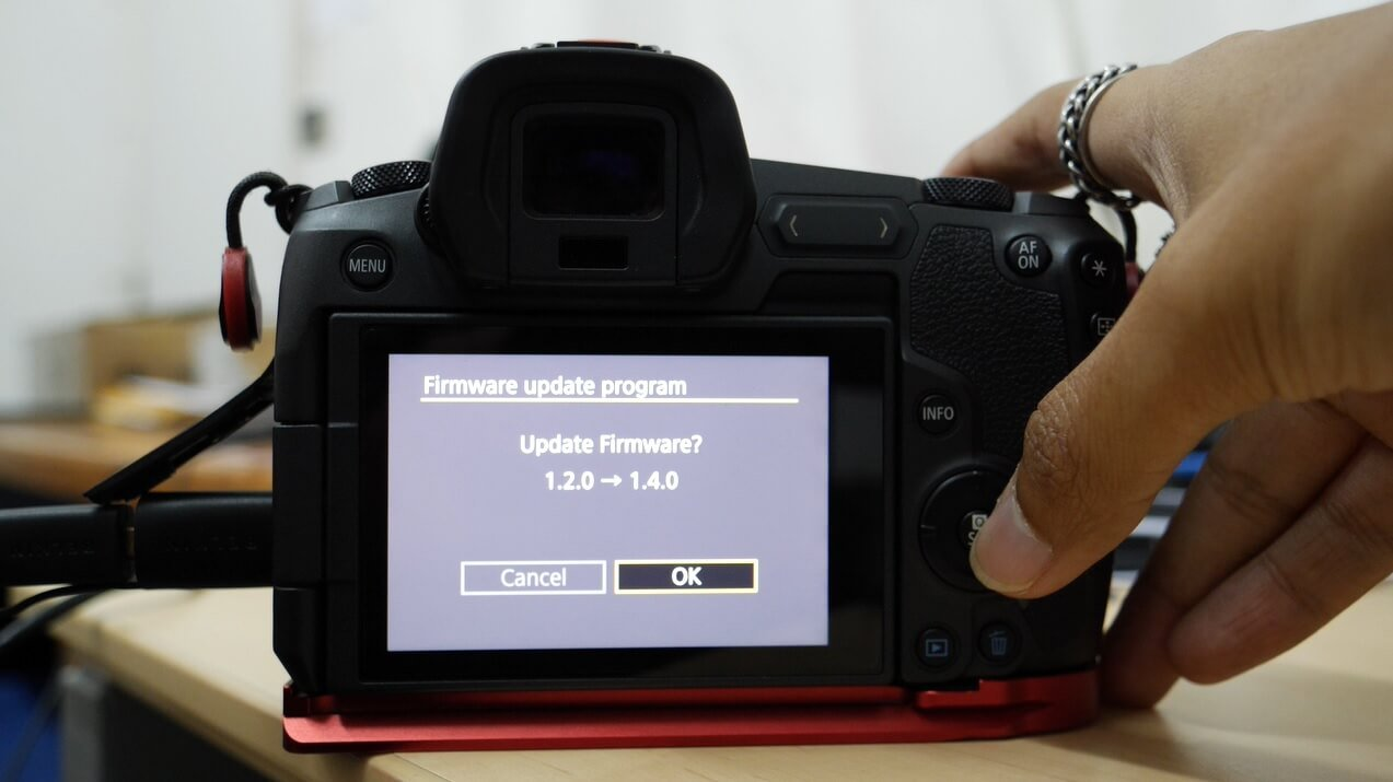 update firmware canon eos r