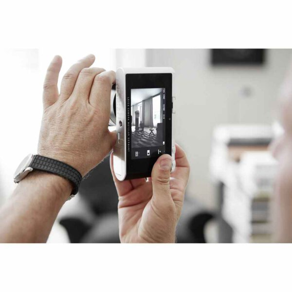 Leica TL2 Mirrorless Digital Camera (Silver)