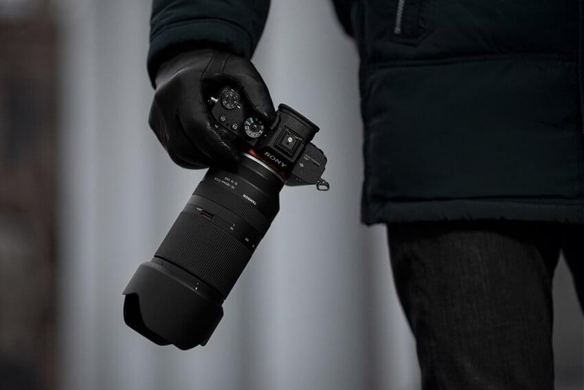 tamron 70-180 f2.8 e-mount feature