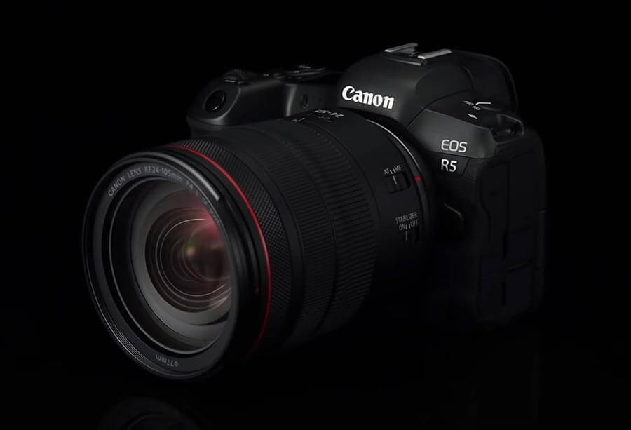 Canon EOS R5 with Lens RF 24-105