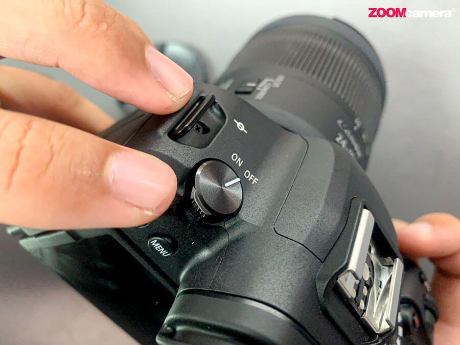 Canon-EOS-R6_power-button