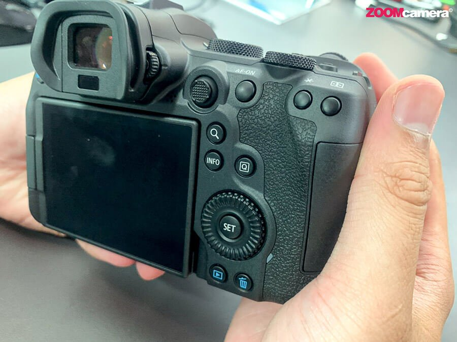 Canon-EOS-R6_rear-view