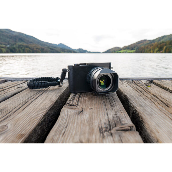 Leica Q2 Monochrom Digital Camera 11