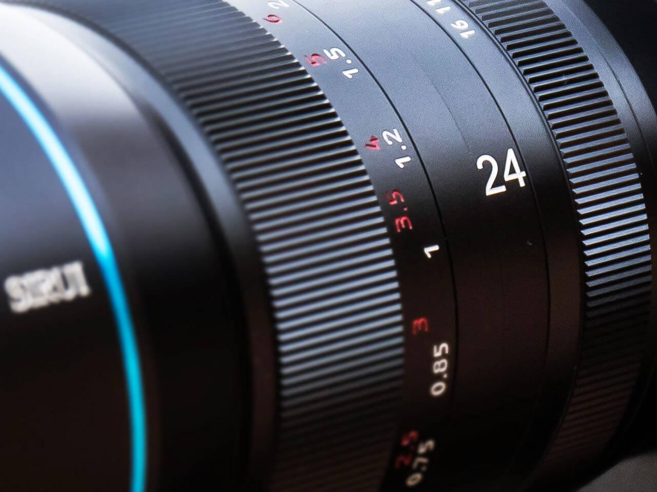 Sirui 24mm f2.8 Anamorphic 7